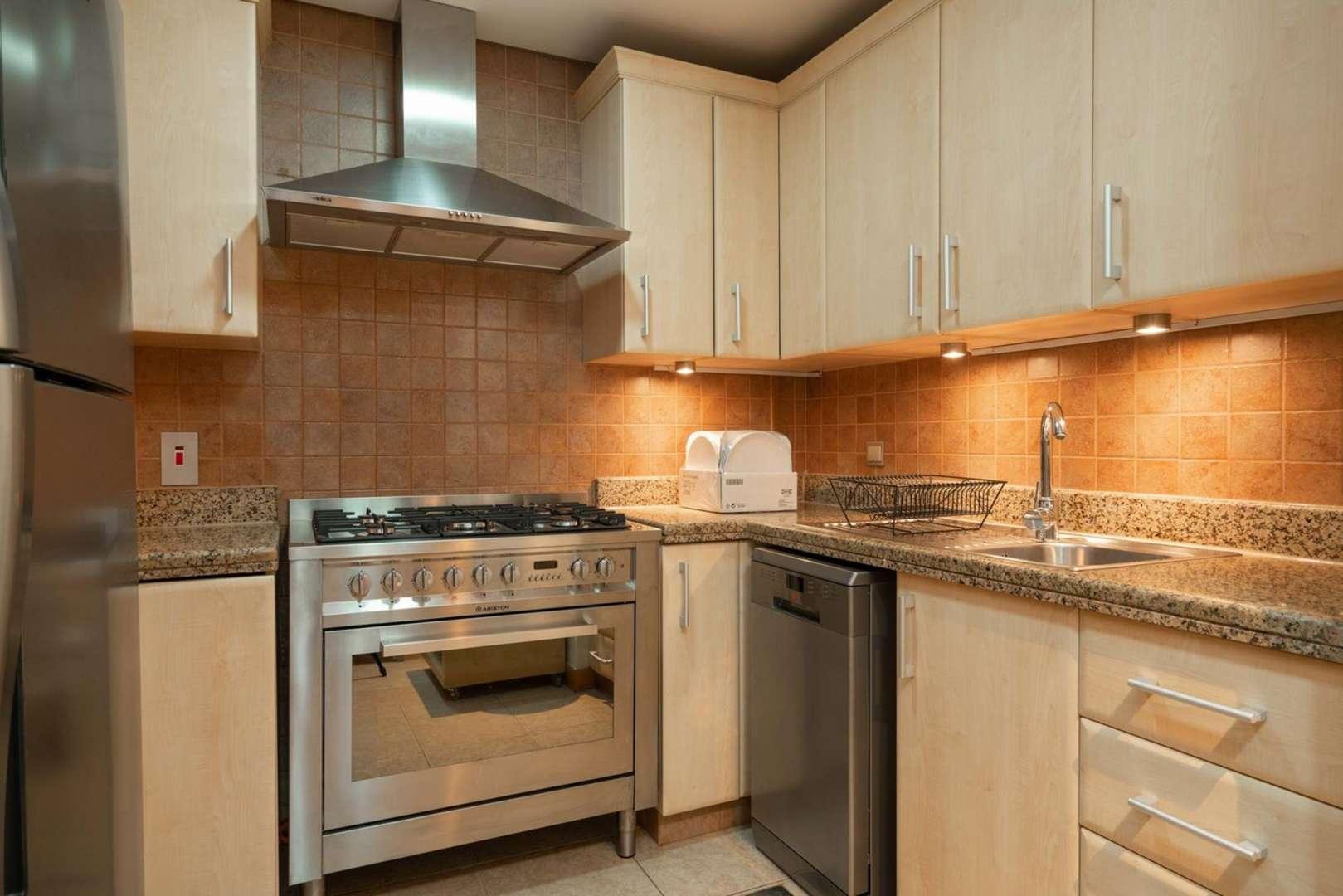 1 Bedroom Apartment in Shoreline Apartments, Palm Jumeirah, Dubai