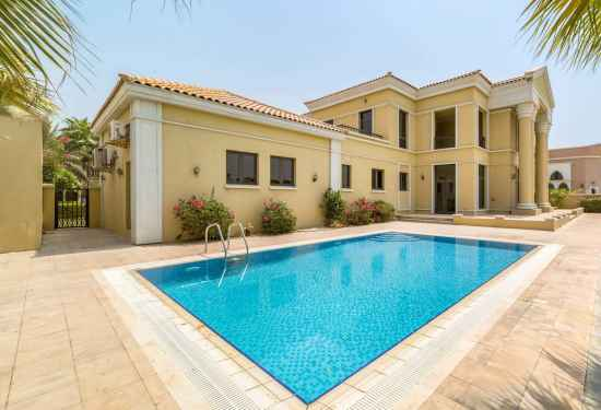 Luxury Property Dubai 5 Bedroom Villa for sale in Signature Villas Palm Jumeirah3