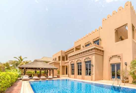 Luxury Property Dubai 6 Bedroom Villa for sale in Signature Villas Palm Jumeirah3