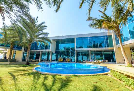 Luxury Property Dubai 11 Bedroom Villa for sale in Signature Villas Palm Jumeirah1